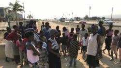 Assaltos a camiões com arroz levam à estrada famílias afectadas pela fome em Benguela - 2:28