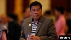 Presiden Filipina Rodrigo Duterte menghadiri makan malam pada KTT ASEAN Vientiane, Laos (6/9). (Reuters/Soe Zeya Tun)