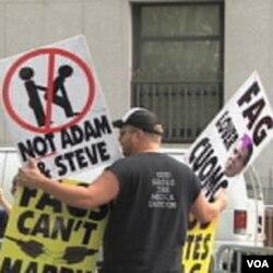 Sa protesta u New Yorku protiv brakova homoseksualaca