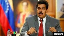 El presidente Nicolás Maduro prometió combatir la corrupción pero el mal ha echado raíces profundas en las filas del chavismo.
