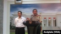 Kapolri didampingi oleh Kepala BNN Komjen Budi Waseso di kantor Presiden, Jakarta (Andylala)