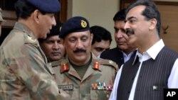 گیلانی: میان حکومت و اردوی پاکستان تنش وجود ندارد
