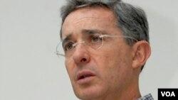 El presidente de Colombia, Alvaro Uribe, dijo que los habitantes de la frontera deben continuar viviendo integrados.