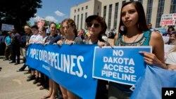 La tribu rechaza la decisión del cuerpo de ingenieros militares de otorgar permiso a la empresa Energy Transfer Partners, con sede en Dallas, para construir el oleoducto Dakota Access.