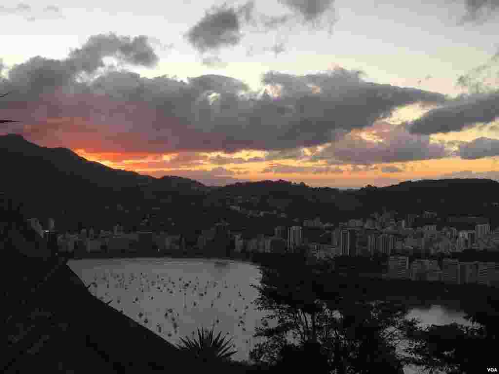 نمای ریو از سمت کوه شوگرلوف.