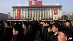 북한이 지난 5일 정전협정 파기를 골자로 하는 '조선인민군 최고사령부 대변인 성명'을 발표한 가운데, 이를 지지하는 평양시 군민 대규모집회가 7일 김일성광장에서 열렸다고 조선중앙통신이 보도했다.