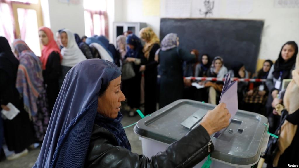 Afganistan'da Sandıklar Kapandı