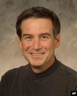 加州大学圣塔芭芭拉分校教授菲利普.巴布考克