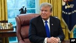 El presidente Donald Trump asegura que las conversaciones con China van muy bien.