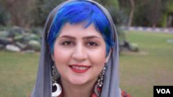 ນັກຂ່າວຂອງອີຣ່ານ ທ່ານນາງ ເຊພີເດ ກາລີຢານ (Sepideh Ghaliyan), ຜູ້ທີ່ໄດ້ຖືກຄວບຄຸມຕົວ ທີ່ເຫັນໃນພາບນີ້ ຊຶ່ງໄດ້ຖືກນຳລົງ ໃນສື່ສັງຄົມ.