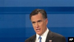 Мит Ромни ги објави бараните даночни документи