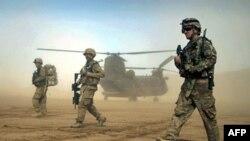 Binh sĩ Hoa Kỳ tham gia cuộc tuần tra chung với Lực lượng Hỗ trợ An ninh quốc tế ISAF tại tỉnh Herat, phía tây thủ đô Kabul, Afghanistan