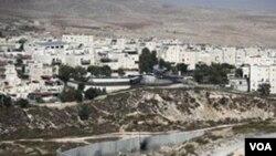 Mahmoud Abbas, presidente de Palestina, dijo que un tratado de paz no puede ser alcanzado si no se congelan los proyectos de construcción.