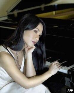 Với Thúy Quỳnh, âm nhạc là thứ gần gũi nhất với tâm hồn cô, và là lĩnh vực mà cô đam mê và gắn bó nhiều nhất.