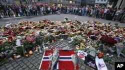 Raia wa Norway waomboleza vifo vya zaidi ya watu 90 waliouawa katika mashambulizi siku ya Ijumaa