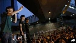 Lãnh tụ sinh viên Joshua Wong, 17 tuổi, phát biểu trong một cuộc biểu tình tại một khu vực bị chiếm đóng ở trung tâm Hong Kong, ngày 9/10/2014.