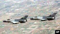 پاکستان فضائیہ کا طیارہ گر کر تباہ، پائلٹ ہلاک