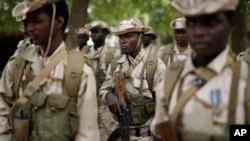 Des soldats tchadiens lors d'une formation à N'djamena, Tchad, 9 mars 2015