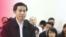 Nhà bất đồng chính kiến Nguyễn Hữu Vinh trong phiên xử hôm 23/3. Ảnh: AP/Bui Doan Tan/Vietnam News Agency.