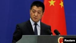 中國外交部發言人陸慷在周三的例行記者會上僅確認雙方貿易談判已經結束,但未發佈任何細節。