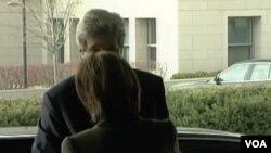 Kerry Begins Work as Secretary of State