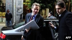 IMF Başkan Yardımcısı ve Yunanistan misyon şefi Poul Thomsen önceki gün Atina'da Maliye Bakanlığı binasına girerken