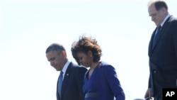Tổng thống Obama và Ðệ nhất Phu nhân Michelle đến Boston để ủy lạo các gia đình và nạn nhân vụ nổ bom, ngày 18/4/2013.