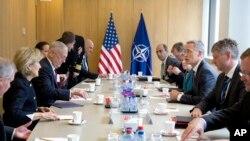北約成員國在比利時布魯塞爾舉行會議,美國國防部長馬蒂斯參與會議。