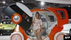 Në Tokio hapet ekspozita e makinave të padëmshme për mjedisin