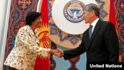 BMT Inson huquqlari Oliy komissari Navi Pillay, Qirg'iziston prezidenti Almazbek Atambayev