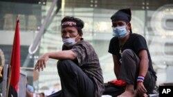 Human Right Watch กล่าวโทษทั้งรัฐบาลไทยและผู้นำเสื้อแดงสืบเนื่องจากการประท้วงปีที่แล้ว