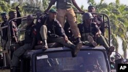 Tentara Nigeria melakukan patroli di kota Maiduguri, Nigeria utara (foto: dok).