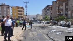 گورنر آفس نے دھماکے میں کردستان ورکرز پارٹی (پی کے کے) کے ملوث ہونے کا شبہ ظاہر کیا ہے۔