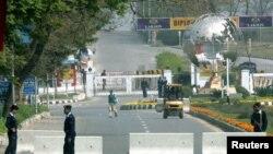 دارالحکومت کی کئی سڑکیں تاحال سکیورٹی خدشات کی بنیاد پر عوام کے لیے بند ہیں۔