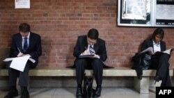 Prema poslednjem izveštaju, sve manje Amerikanaca koji traže nadoknadu za nezaposlene