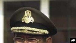 Tổng Tư lệnh Quân đội Hoàng gia Campuchia Pol Saroeun.
