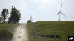 Salah satu ladang kincir angin Amerika di Haverhill, Iowa (Foto: dok). Perusahaan Ralls Corporation milik Tiongkok menggugat presiden Obama atas tuduhan menghalangi pembangunan ladang kincir angin di Oregon, dekat lokasi sensitif milik Angkatan Laut AS.