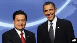奥巴马总统和中国国家主席胡锦涛2010年4月12日在华盛顿举行核安全峰会期间的会晤