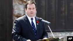 Menteri Imigrasi Kanada Jason Kenney mengatakan pemerintah Kanada akan mencabut kewarganegaraan dan status tinggal siapapun yang terbukti berbohong (foto: dok).