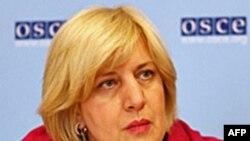 Представник ОБСЄ з питань свободи мас-медія Дуня Міятович під час прес-конференції у Відні.
