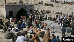 د بلوچستان حکومت ویاند عظیم کاکړ وویل حکومت په دې اړه کار کوي او لازمي قانون کې ده بدلون کار روان دی. نوموړي ومنل چې بلوچستان کښې خواریکښ له ډیرو ستونزو سره مخ دي چې حکومت یي د یوه مربوط نظام لاندي د هوارولو په هڅه کې دی