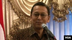 Wapres Boediono saat melakukan temu wicara dengan masyarakat Indonesia di Washington, 11 April 2010.