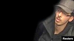 영국 경찰은 맨체스터 테러 공격범인 살만 아베디가 테러 당일 CCTV에 포착된 모습을 27일공개했다.