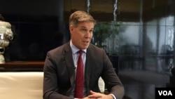 Phó Trợ lý Bộ trưởng Quốc phòng Hoa Kỳ Joseph Felter.