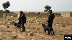 Polícia em acção no Bié (Foto de arquivo VOA)