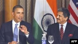 Obama, Mumbai kentinde işadamlarına hitaben yaptığı konuşmada ticari ilişkileri güçlendirecek yeni adımlar açıkladı