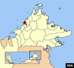 Kota Kinabalu terletak di negara bagian Sabah, Malaysia, di pesisir barat laut pulau Kalimantan.