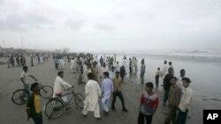 لوگوں کو ساحل پر آنےسے بھی منع کیا جارہا ہے