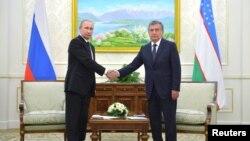 Shavkat Mirziyoyev (o'ngda) Rossiya Prezidenti Vladimir Putin bilan, Samarqand, 6-sentabr, 2016-yil.