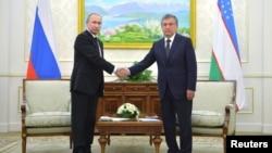 Vladimir Putin va Shavkat Mirziyoyev so'nggi bor Islom Karimov vafoti ortidan Toshkentda ko'rishgan edi.